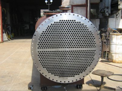 Manufacturing and installation of a condenser
